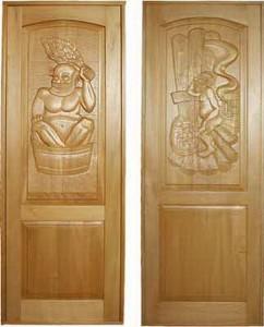 Мощные и солидные  двери для парилки с резьбой